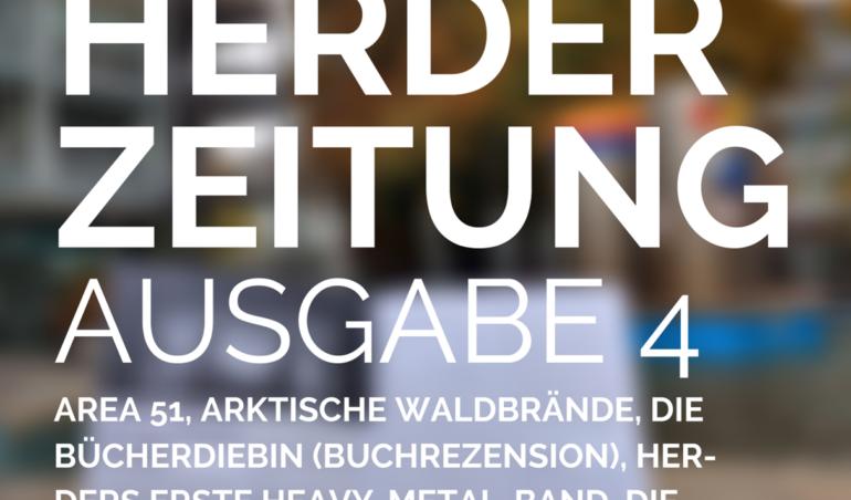 Das Cover der vierten Ausgabe zeigt eine Zeitung, die im Storkower Bogen vor dem Brunnen gelesen wird