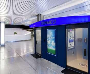 OnMed-Station auf einem Bahnhof