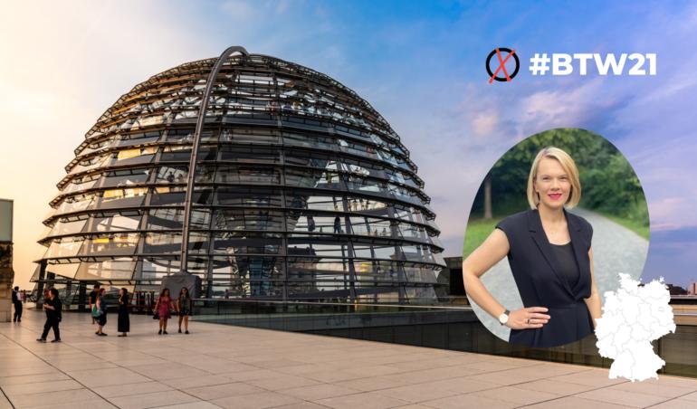 Fotomontage mit Bundestagskuppel und Frau Dornheim
